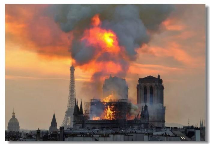 """手表上帶有""""巴黎圣母院""""圖案 未來是否有升值空間"""