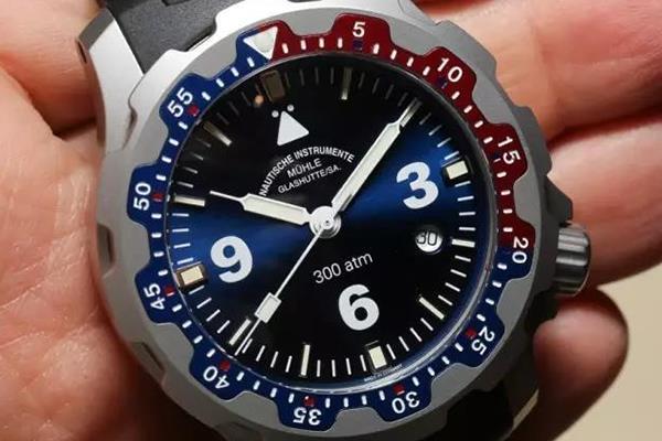 手表測評:潛水員的守護者——格拉蘇蒂莫勒潛水表