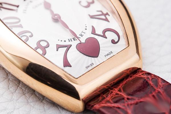 法穆兰手表日常如何正确保养