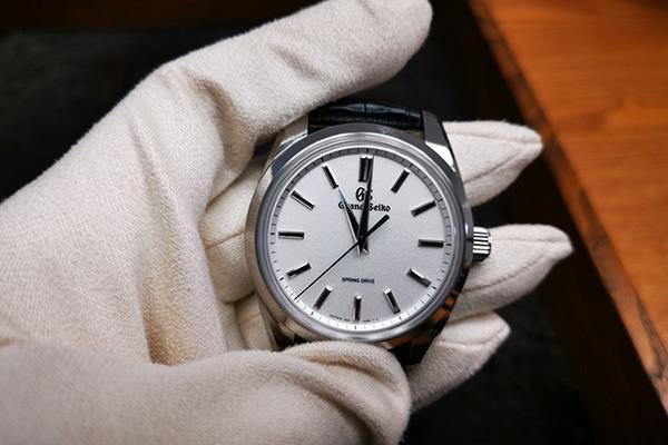 精工,竟花20多年做一個手表機芯!