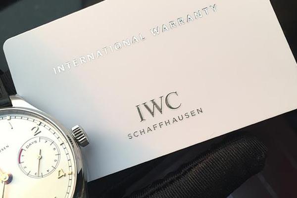 决定手表回收价格的一大重要因素:手表保卡