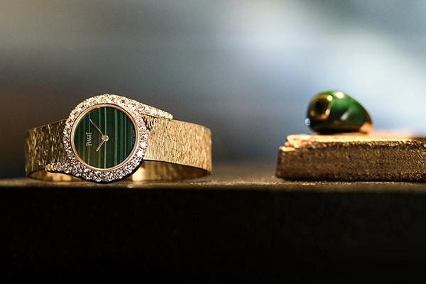 尽显奢华人生 伯爵表推出最新款孔雀石表盘Limelight Gala系列手表
