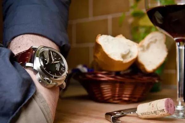 这些简答的手表保养技巧你一定要会