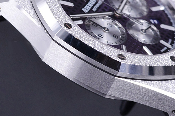 爱彼皇家橡树系列闪烁霜金型腕表观赏