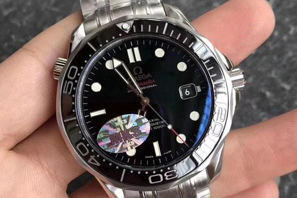 欧米茄手表镜里益坏如何细确处置