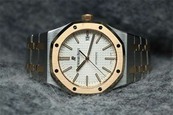 <b>二手爱彼(Audemars Piguet)手表回收价格多少钱?几折</b>