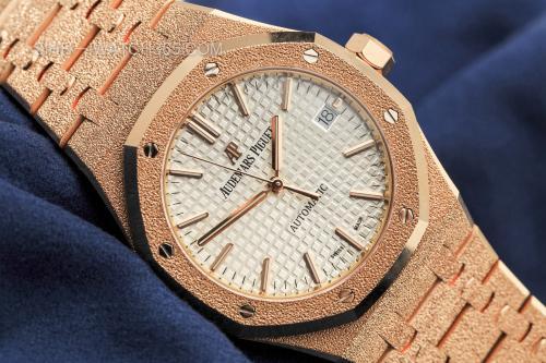 二手爱彼皇家橡树手表回收价是多少钱?