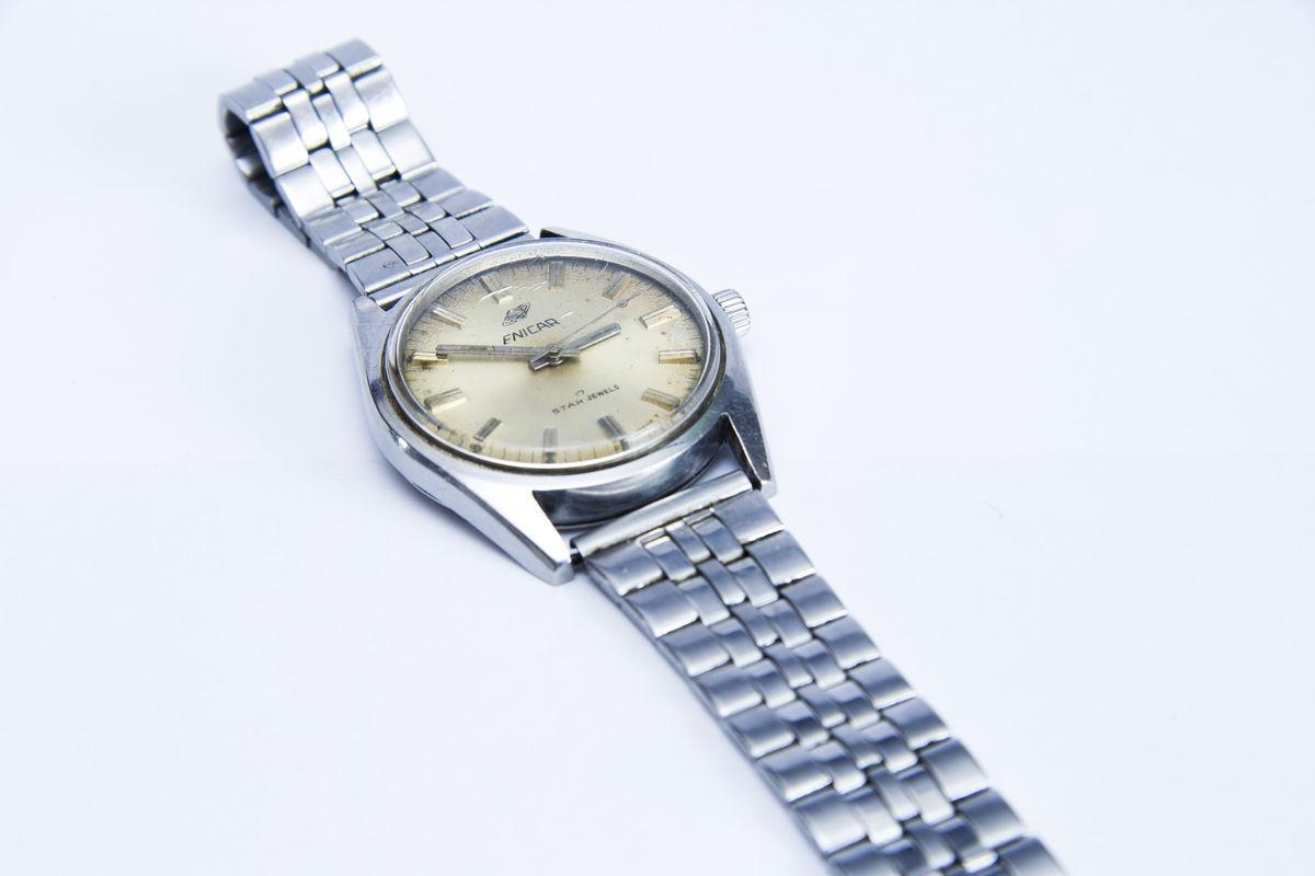 <b>旧英纳格ENICAR手表回收价格多少钱?</b>